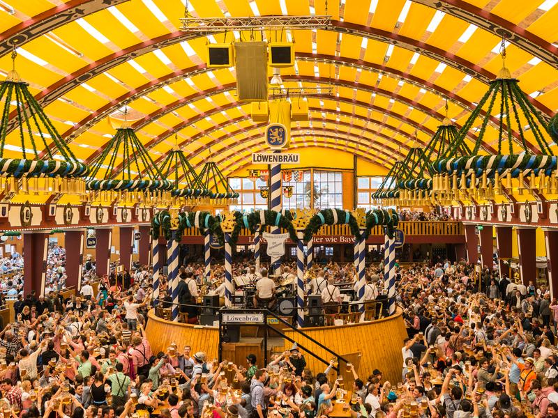 oktoberfest biergartenkultur bierzelt